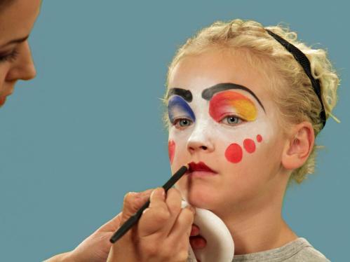 original_Colleen-Herman-clown-Halloween-makeup-8.jpg.rend.hgtvcom.1280.960.jpeg